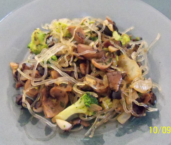 Warm Buttered Kelp Noodles and Vegetables