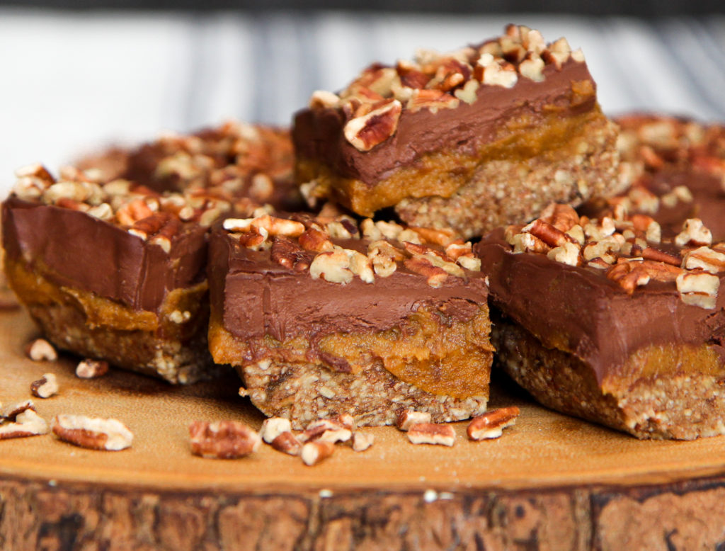 Paleo Pecan Bars with Pumpkin Caramel (paleo, vegan) – guest post from Sadie Radinsky
